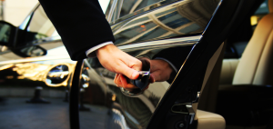 Chauffeured-airport-Limousine-Services